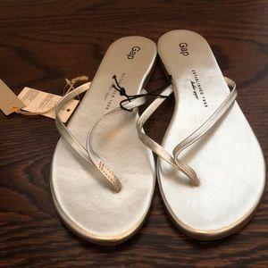 Silver gap flip flops